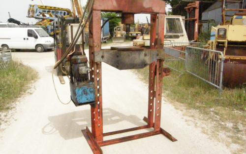 Pressa idraulica marconi figli for Costruire pressa idraulica